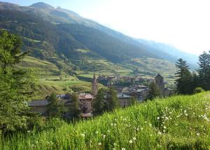 Vue sur le village de Lanslebourg en été